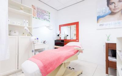 Firozeh beauty Center in Leiden