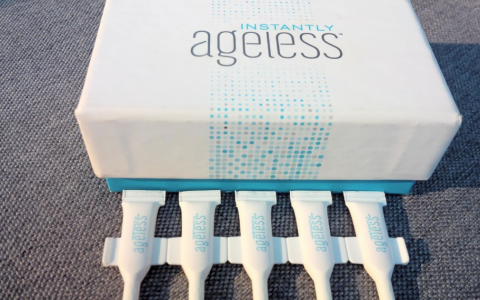 Botox in een serum Instantly Ageless
